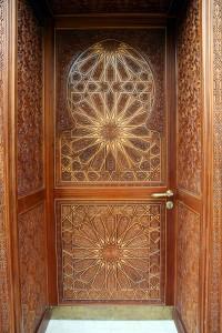 wooden-carving-door-1