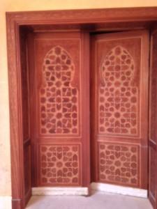 wooden-carving-door-12