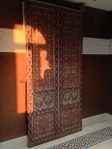 wooden-painted-door-10