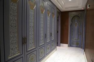 wooden-painted-door-3