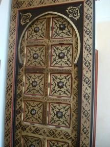 wooden-painted-door-5